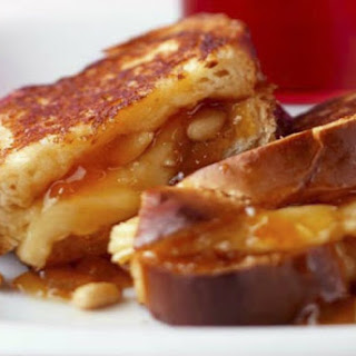 Apricot and Brie Grilled Sandwich.