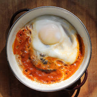 Mushrooms with Eggs in Tomato Sauce.