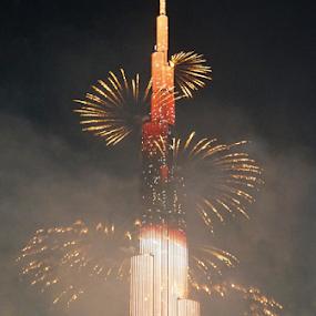 Burj Khalifa Fireworks 3 by Nadir Aziz - Buildings & Architecture Office Buildings & Hotels ( tower, dubai, uae, burj, fireworks, burj khalifa, , #GARYFONGDRAMATICLIGHT, #WTFBOBDAVIS )