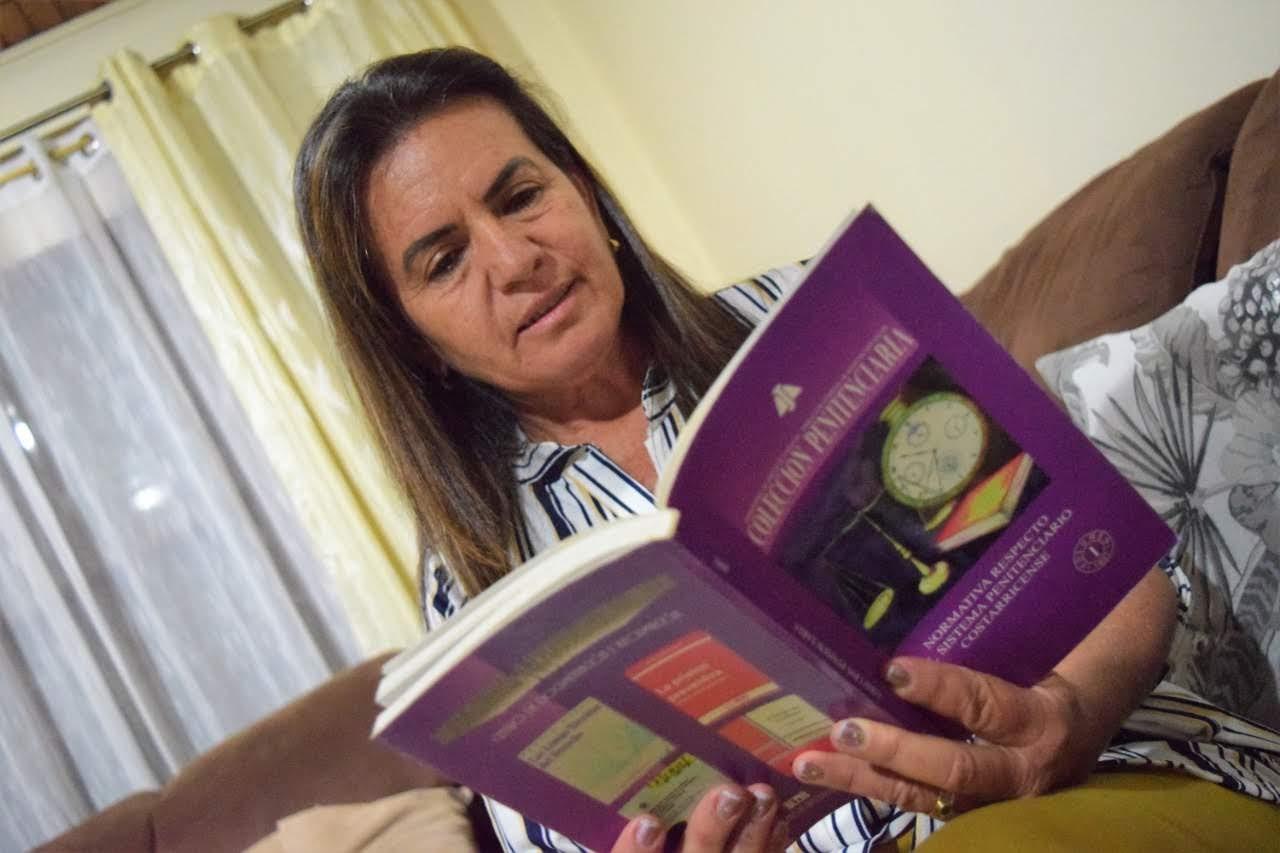 Imagen PERFILES:  ANNABELLE CHAVES, LA BIBLIOTECÓLOGA QUE ELIGIÓ SER UNA AGENTE DE CAMBIO