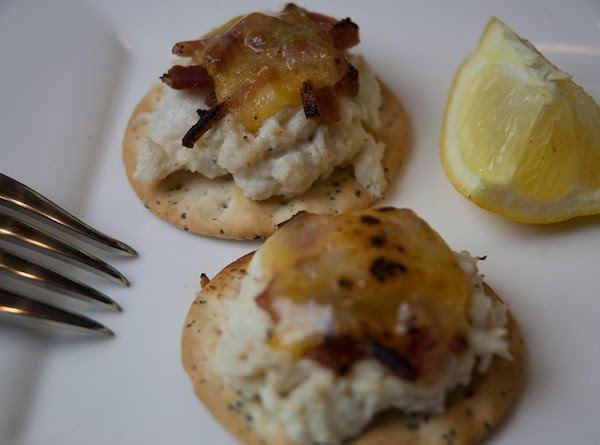Crab On Crackers Hors D'oeuvres With A Twist Recipe