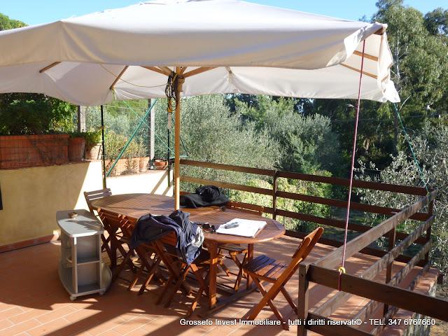 Castiglione-pescaia-villa-vendita-mare-bifamiliare-giardino