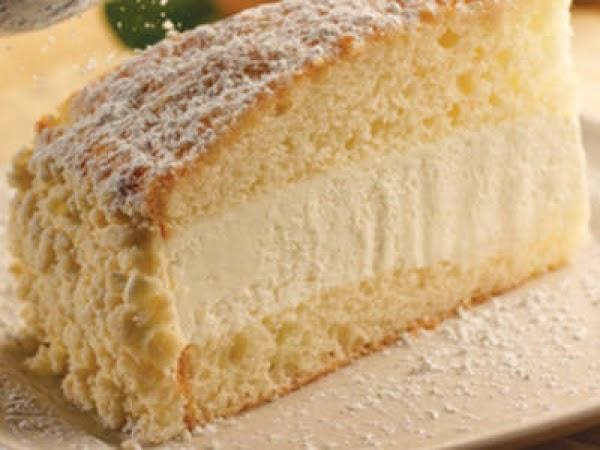 Olive Garden's Lemon Cream Cake Recipe