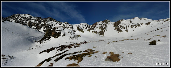 Photo: Las estribaciones del Pic de la Cabaneta (izquierda), Serrera (centro), Meners (derecha).