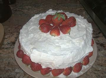 Pudding Cake with Strawberrys