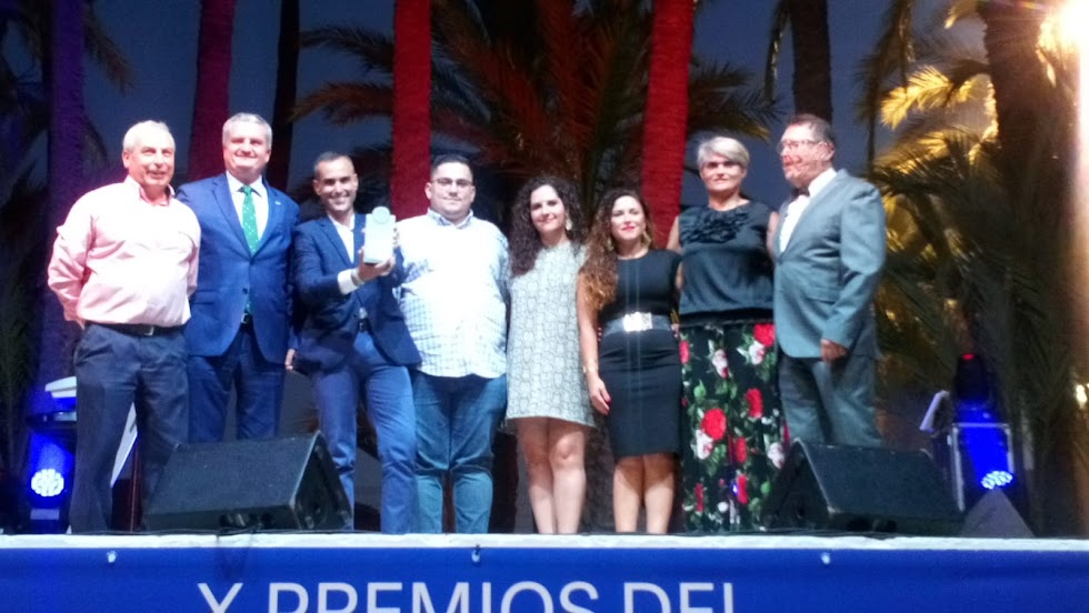 Premio a la Asociación de Moros y Cristianos de Vera.
