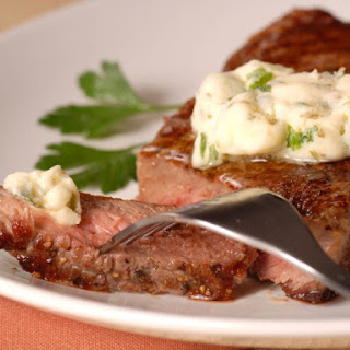 Peppery Steak With Bearnaise Sauce.