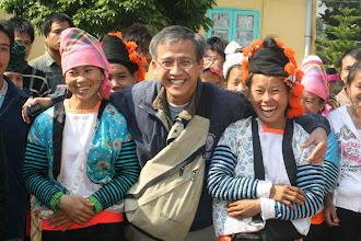 Photo: Phát Quà cho người Dân Tộc Xã Phình Sáng/Huyện Tuần Giáo/Tỉnh Điện Biên