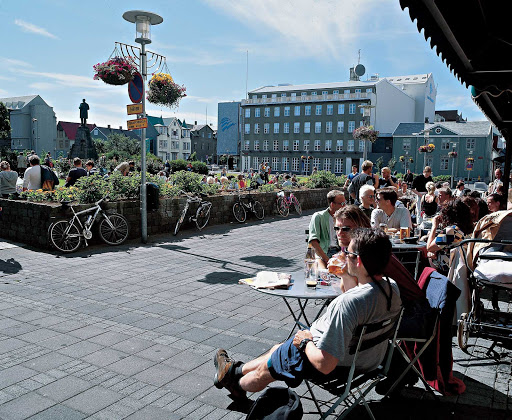 Iceland-Reykjavik-Austurvollur.jpg - Coffee culture! Kicking back in the Austurvollur (eastern field) old town square in the center of Reykjavik, Iceland.