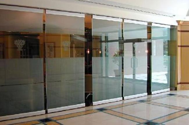 cổng tự động sử dụng phổ biến ở nhiều văn phòng