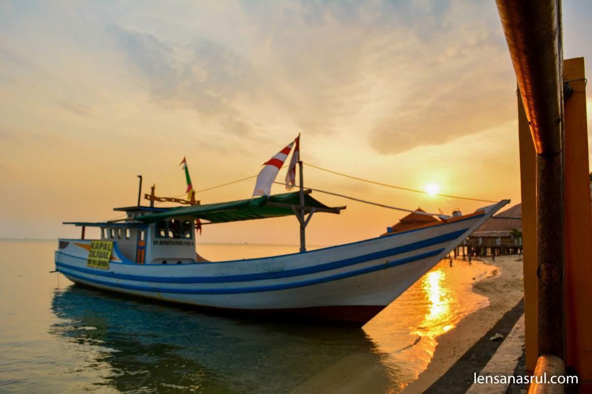 sunset pantai kartini jepara