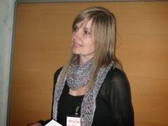 Photo: ...och invigde gjorde Nina Sagulin som också var workshopledare samt utställare på Torget..