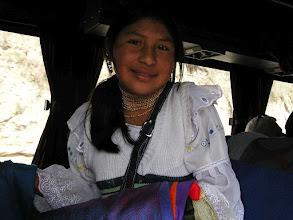 Photo: 3B120092_A to sprzedawczyni kolorowych chustek