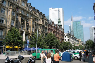 Photo: Frankfurt .... Europa's Commerciële Centrum....