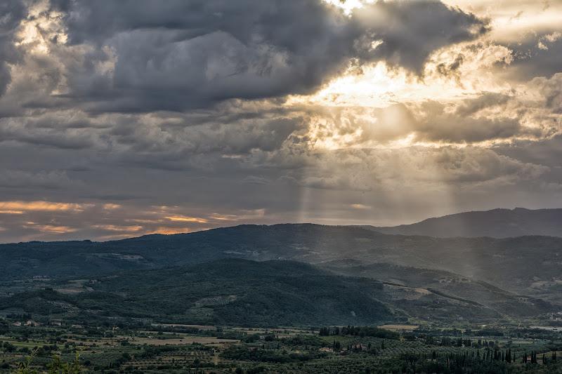 La vita è una grande avventura verso la luce. (Paul Claudel) di christiandeledda