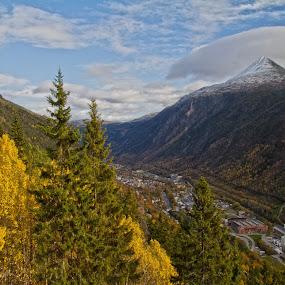 by Wiggo Løvik - Landscapes Mountains & Hills