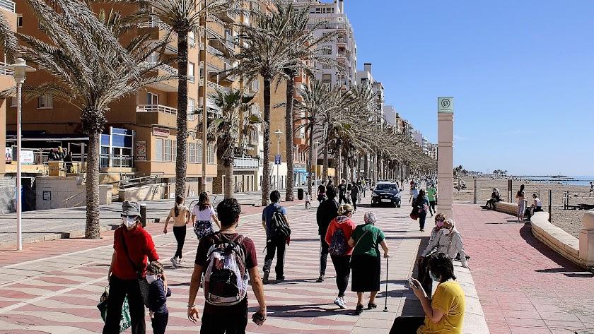 La pandemia vuelve a dejar mejores datos en Almería que en el resto de Andalucía.
