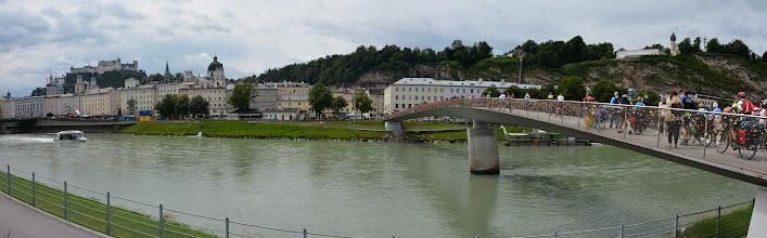 Photo: Na rzeką Inn przerzucony most dla pieszych i rowerzystów.