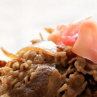 Yoshinoya-style gyudon / Japanese beef and rice bowl.