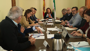 Carmen crespo mantuvo ayer un encuentro con el sector, en vísperas del paro agrícola del próximo martes.