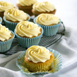 Easy Vanilla Vegan Cupcakes Recipe