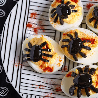 Deviled Eggs With A Halloween Twist