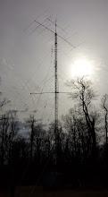 Photo: 6L rotatable 20m beam @ 180', 3L 40m beam fixed NE at 100'. 7L 6m beam @ 190'