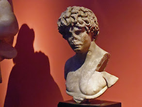 Photo: Antinous, 2nd century AD .......... Antinous - 2de eeuw n.C.