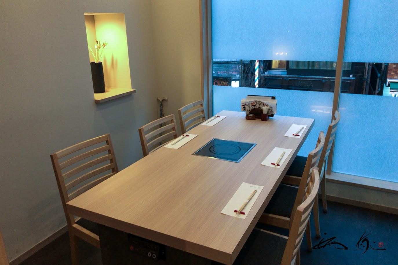 2階の個室テーブル席