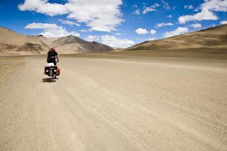 Photo: Bicycling over the Morey Plains (4400m), Manali-Leh Highway, Ladakh, Indian Himalayas
