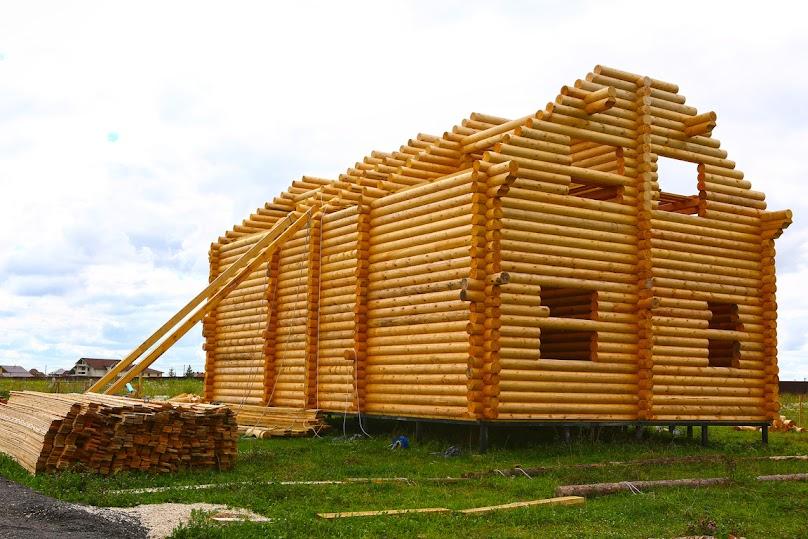 Budowa domu z bali