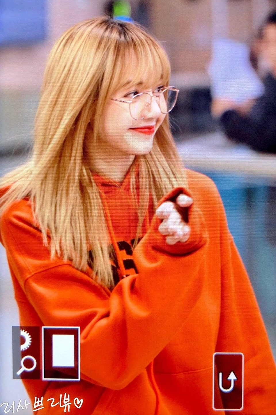 blackpinkrainbow_orange_lisa