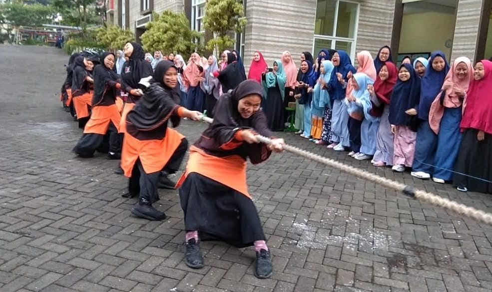 Semarak Fakultatif SMP-SMA Ar-Rohmah Putri