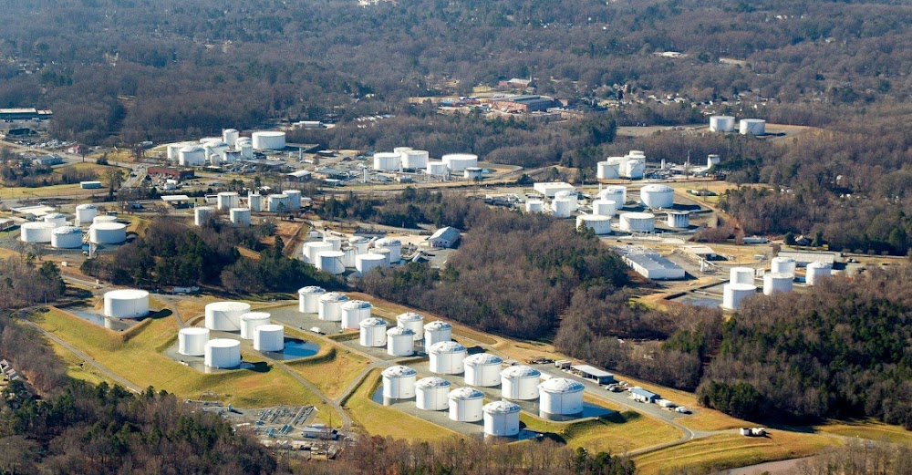 Top US fuel pipeline operator pushes to recover from cyberattack