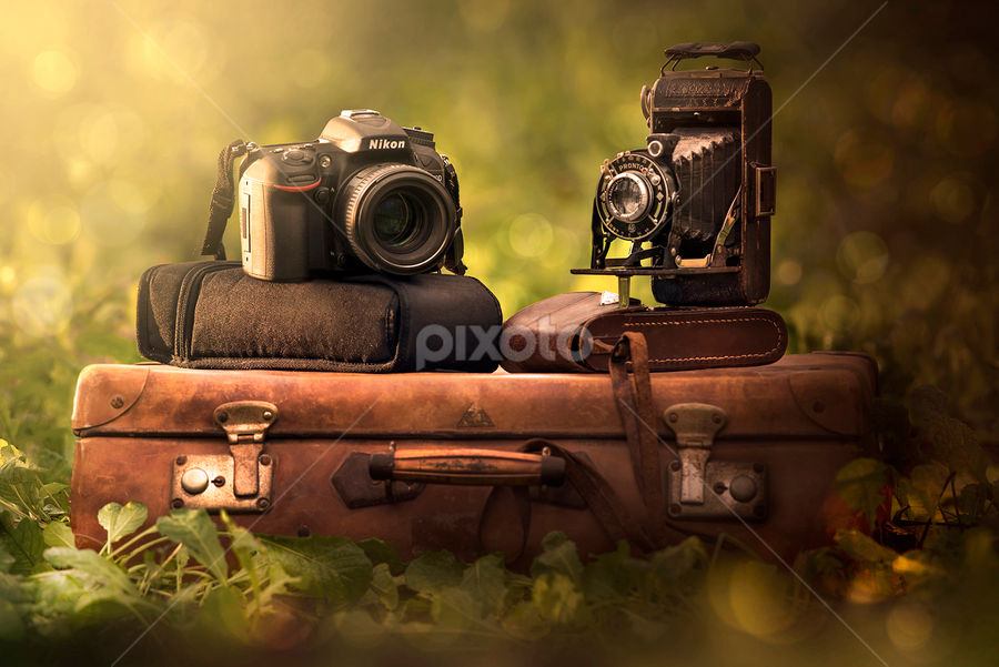 Grandfather and grandson by Alberto Ghizzi Panizza - Products & Objects Technology Objects ( new, old, vintage, camera, welta, case, nikon, reflex, lens, object )
