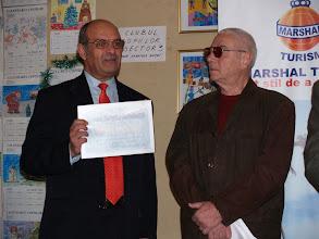 Photo: Dan Lupescu (Marele Premiu 2007) si Mircea Bunea (presedintele juriului la sectiunea carti)