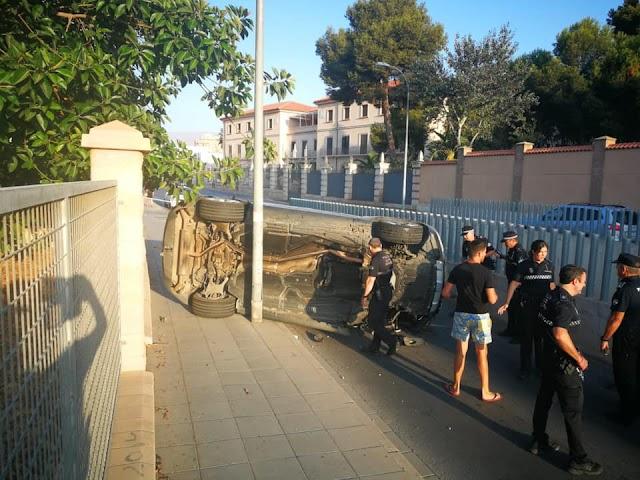 La Policía Local se ha personado en el lugar del accidente.