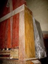 Photo: Zadní část varhan po odkrytí folie