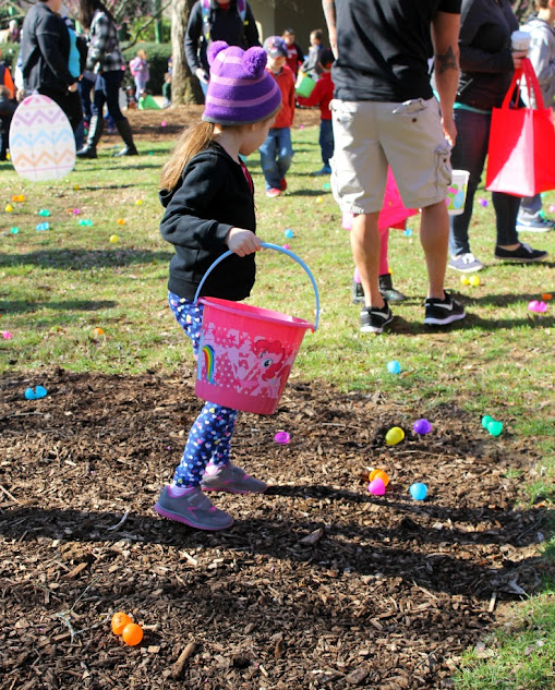 Easter Egg Hunt 2016 at the Louisville Zoo in Louisville, KY