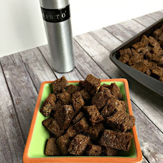 Baked Pumpernickel Croutons [only 4 ingredients]