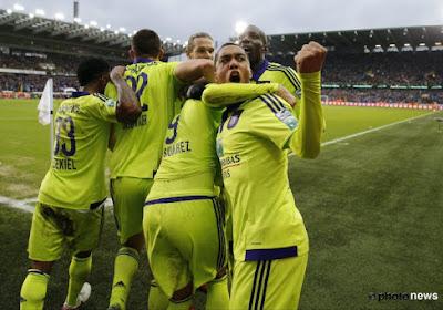 Anderlecht dévoile son maillot européen (VIDEO)