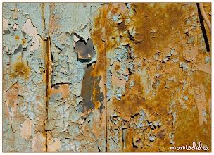 Photo: Cracked Paint