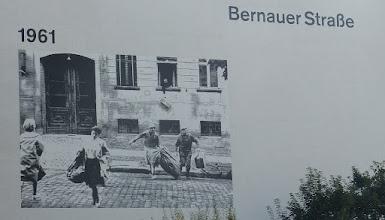 Photo: Gedenkstätte Berliner Mauer; Bernauer Straße