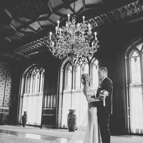 Wedding photographer Adam Husek (husek). Photo of 15.12.2014