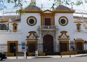 Real Maestranza de Sevilla <br> 8-minute walk