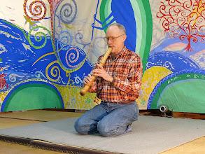 Photo: ナナオに「尺八マン」と呼ばれていたハウザー桂堂さんの演奏