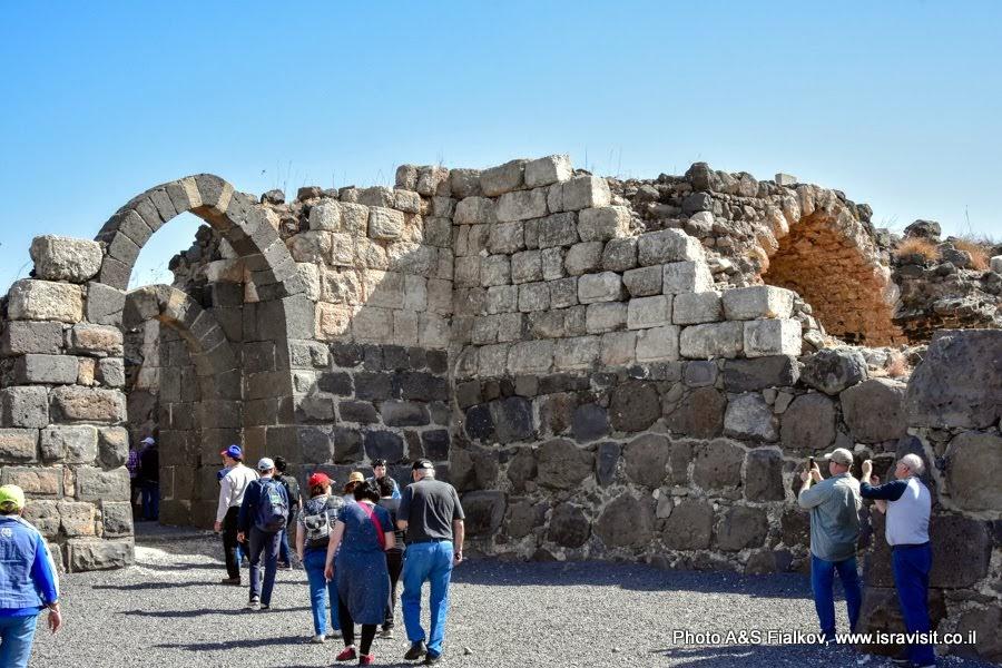 Экскурсия в крепость крестоносцев Кохав Ярден в Израиле.