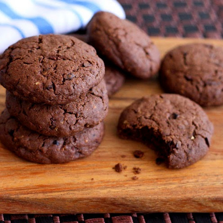 Cocoa-Cocoa Nib Wheat Cookies