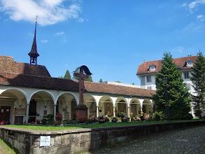 Photo: hřbitov vedle kostela