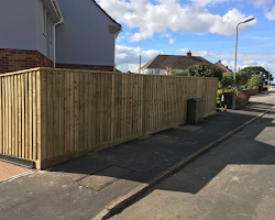 fencing service in Exminster